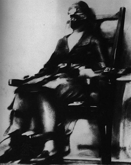 Dead 1 re ex cution sur chaise lectrique en image - Execution en direct chaise electrique ...