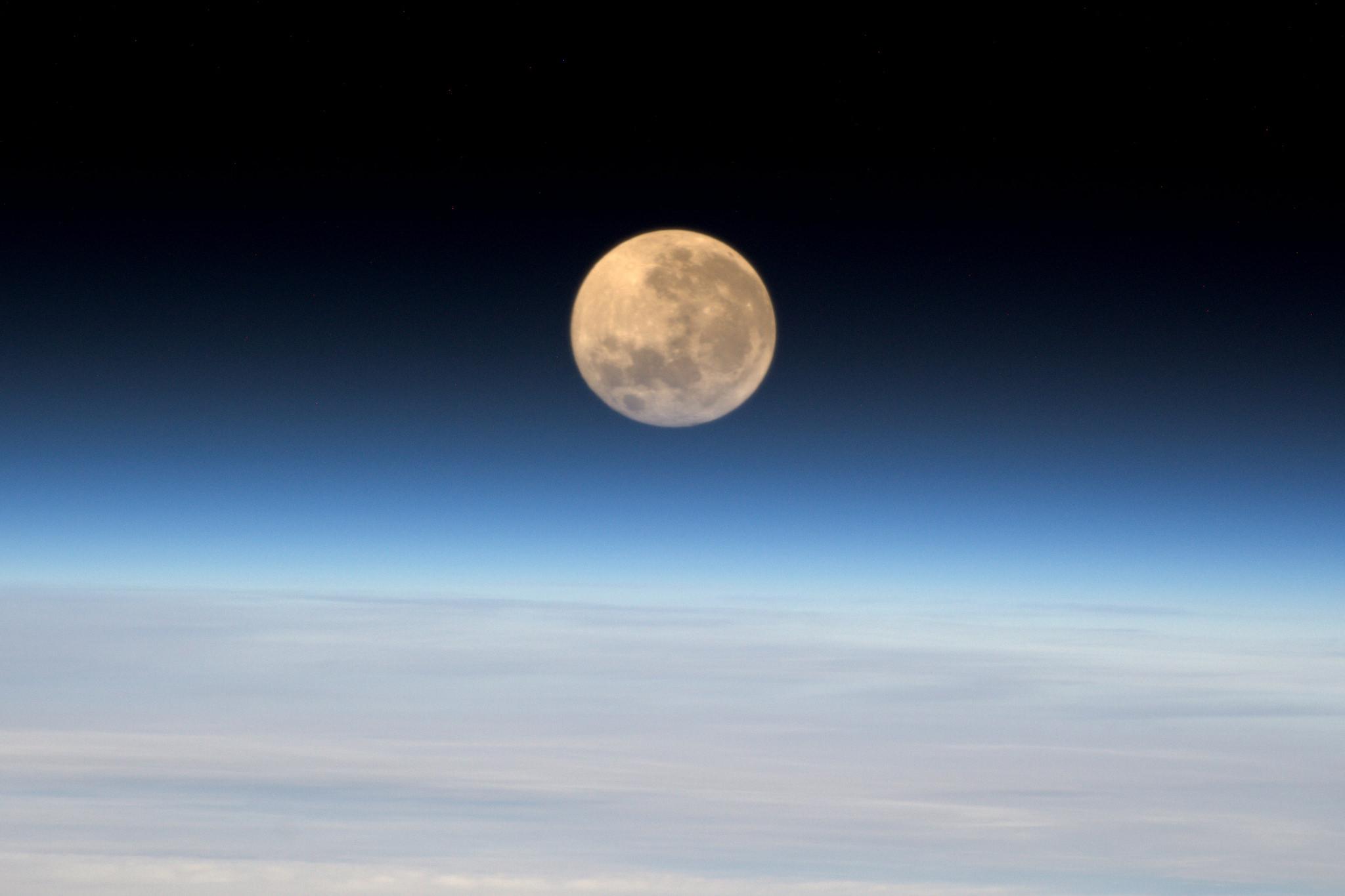 L'astronaute Pesquet photographie Marseille et le Vélodrome depuis l'espace